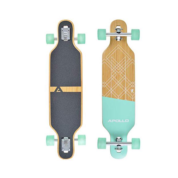 Longboard con tabla de skate
